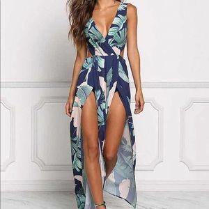 Dresses & Skirts - Tropical dress🌴